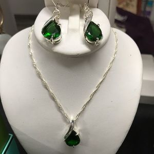 Jewelry - Emerald Set